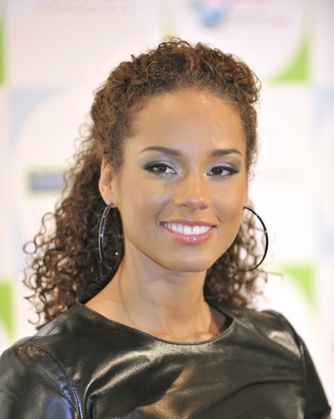 StyleCaster_Alicia_Keys_Curly_Hair.jpg
