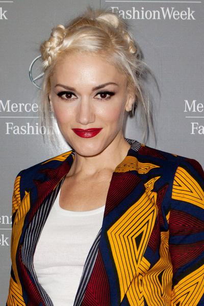 Gwen_Stefani_perfume_fashion.jpg (400x600)
