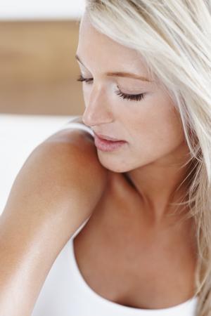 woman_with_sunburn (300x450)
