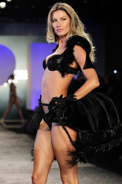 Gisele_fashion_lingerie.jpg (400x600)