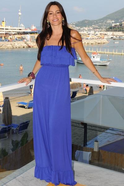 Sofia_Vergara_Maxi_Dress.jpg (400x600)