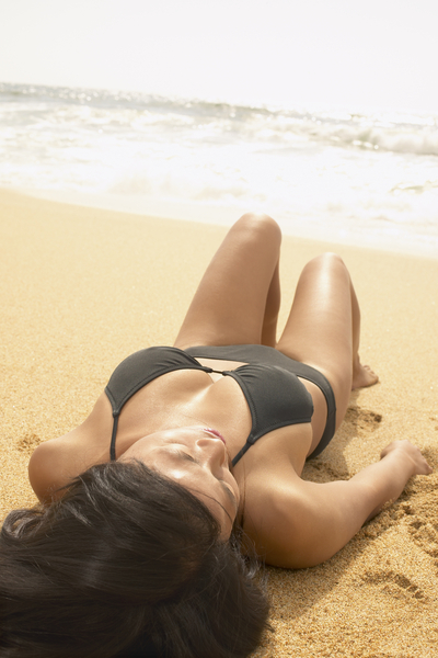 woman_on_beach (400x600)