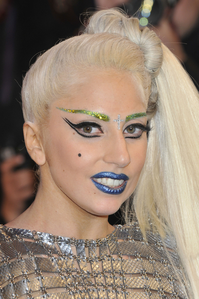 Lady_Gaga_fragrance (400x600)