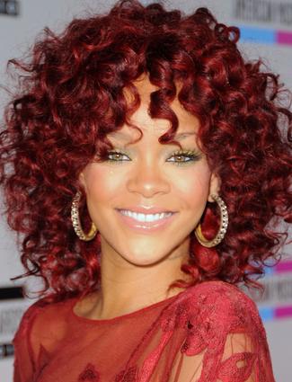 Spring_2011_eyeshadow_Rihanna.jpg (Slideshow)
