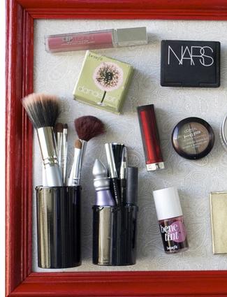 makeup_storage_magnet_board.png (Slideshow)