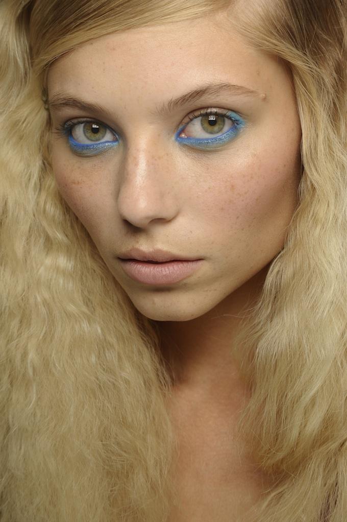 Moschino Cheap Chic Blue Eyeliner