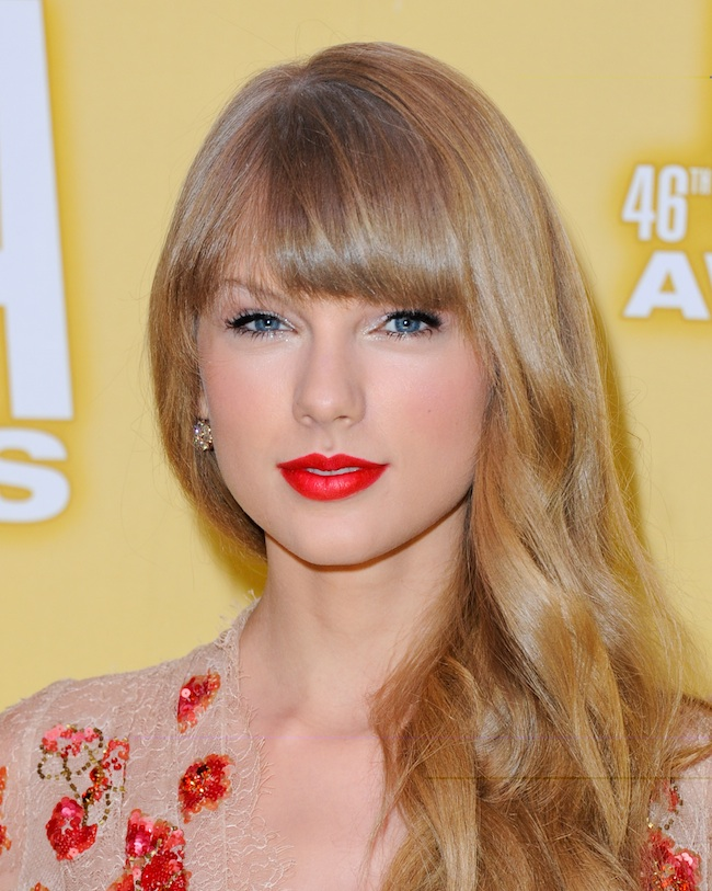 Cmas Beauty Two Red Lips Two Different Hair Colors Stylecaster