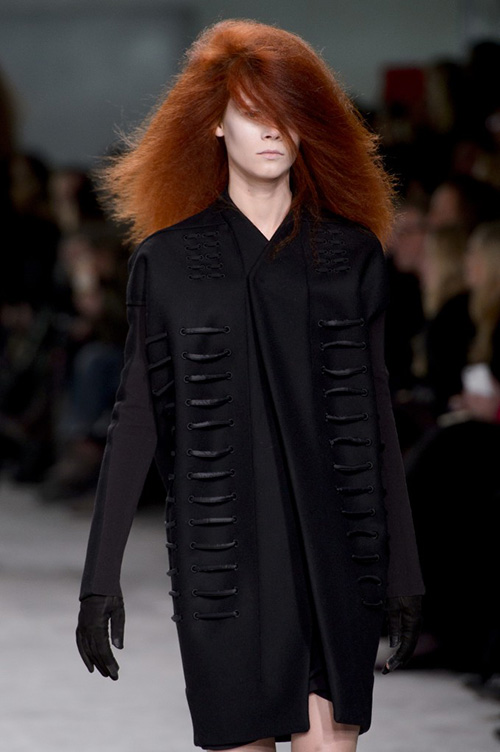 Frizzy hair on the runway