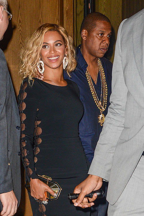 Beyoncé shows off her latest hairstyle