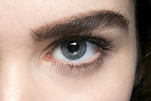 eye brow waxing