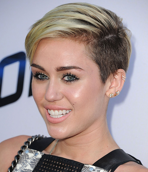 miley cyrus short hair styles want to try a pixie cut here s what you need to 5977 | miley cyrus pixie