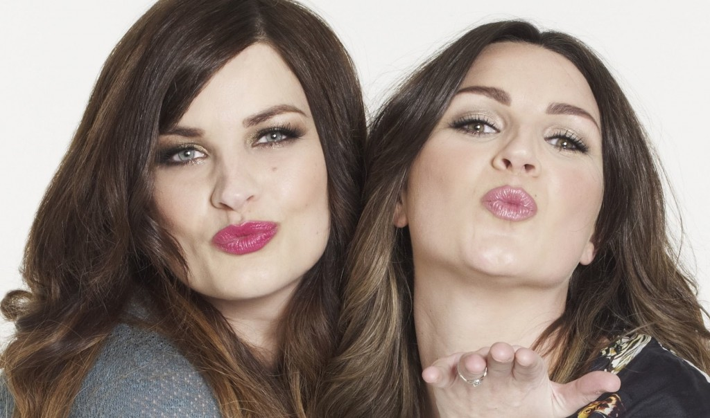maxresdefault 1024x604 The Beauty Gurus of Pixiwoo Share Their Makeup Must Haves