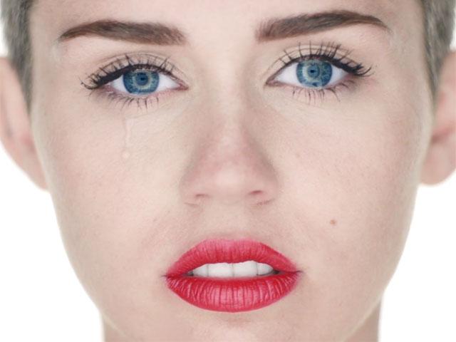 We Can\u0027t Stop\u2026Staring At Miley\u0027s Lipstick