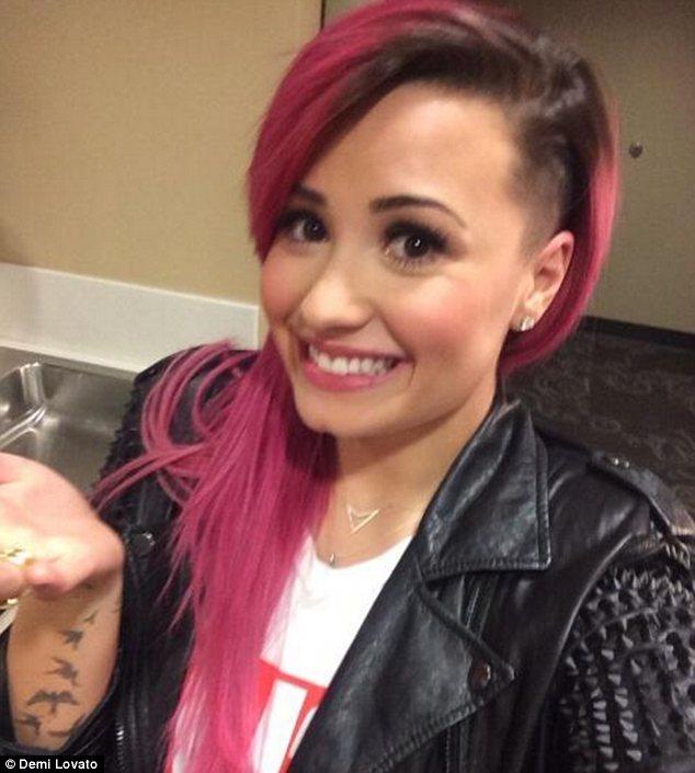 Makeover Alert Demi Lovato Shaved Her Head Stylecaster