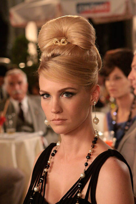 betty brooch The 5 Best Mad Men Beauty Moments
