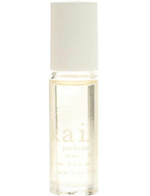 4 Reasons Why You Should Try Perfume Oils Stylecaster