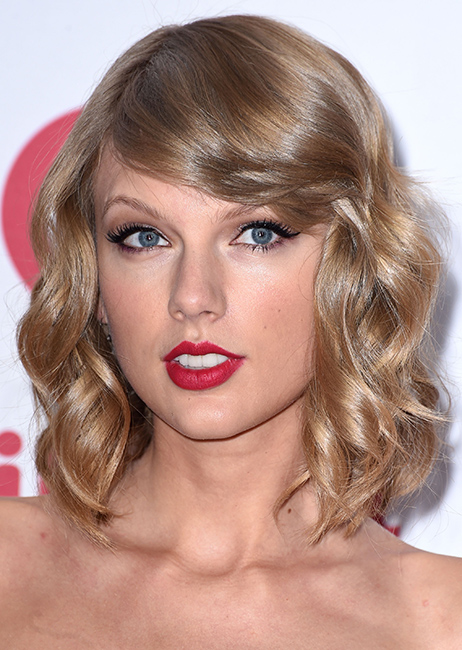 News Taylor Swifts Cool Vogue Hairstyle The Skin Care Product