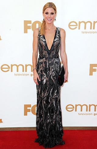 Emmys_Bad Julie Bowen Oscar de la Renta.jpg