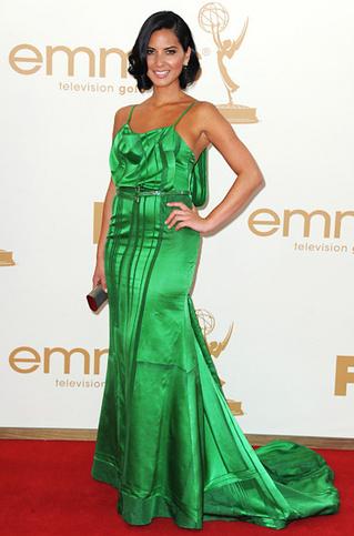 Emmys_Bad Olivia Munn Carolina Herrera.jpg