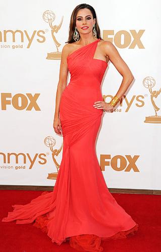 Emmys_Sofia Vergara Vera Wang.jpg