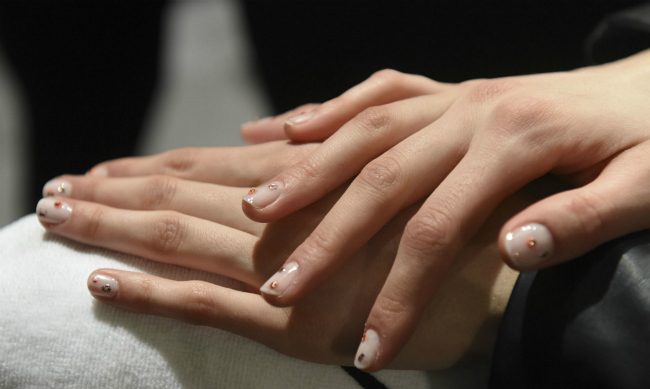 french manicure jenny packham