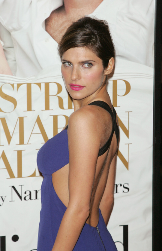 lake-bell-its-complicated-premeire.jpg