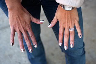 The New Must-Try Minx Manicure | StyleCaster