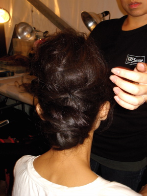 Fashion Week Spring 2010 Tracy Reese backstage hair