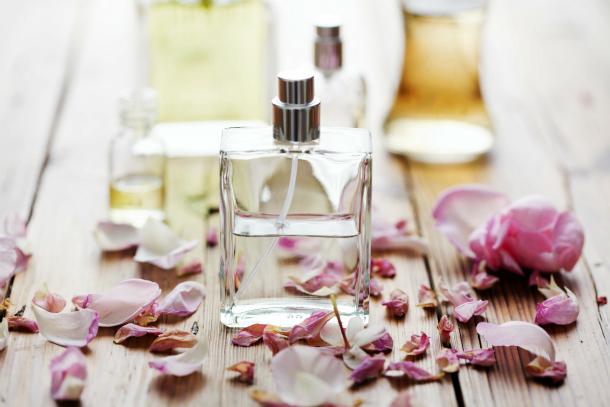 Képtalálatok a következőre: spring parfumes