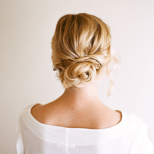 Simple Hairstyles For Weddings To Do Yourself: 7 Stunning Wedding Updos For Every Type Of Bride