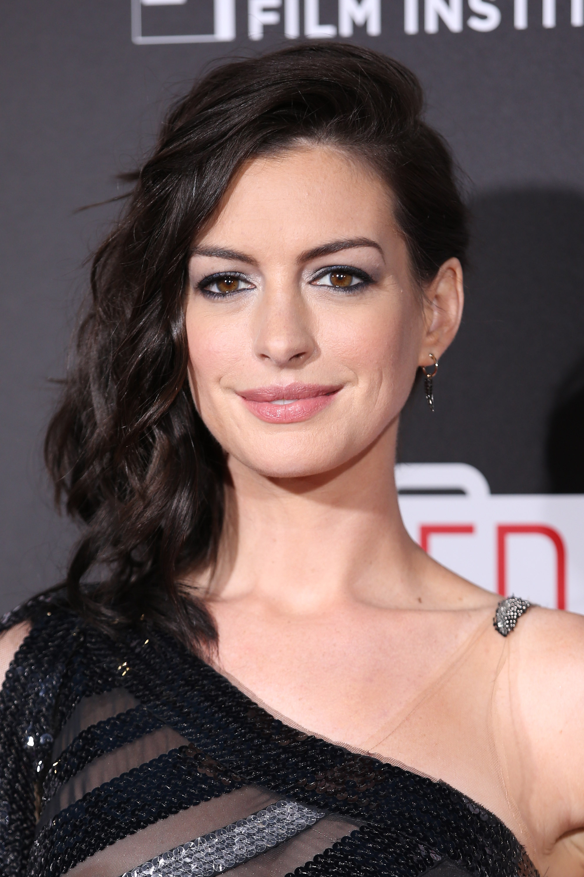 Product Spotlight: Get Anne Hathaway's Lipstick