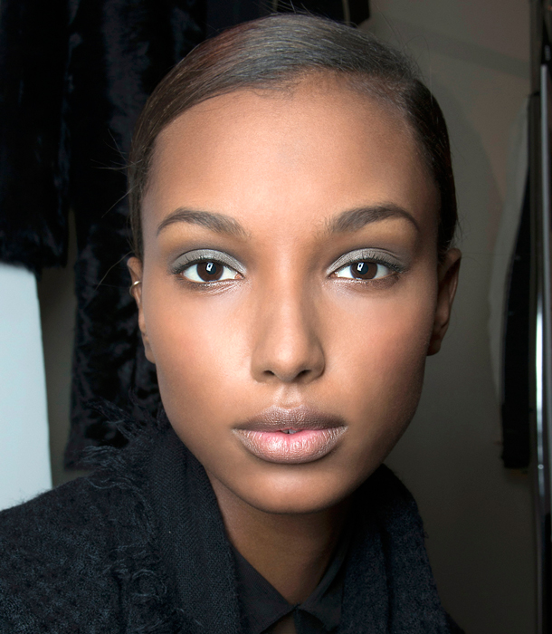How To Pick The Right Eyebrow Color Stylecaster