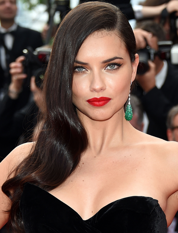 News Adriana Lima Reveals The Secret To Her Perfect Skin Stylecaster