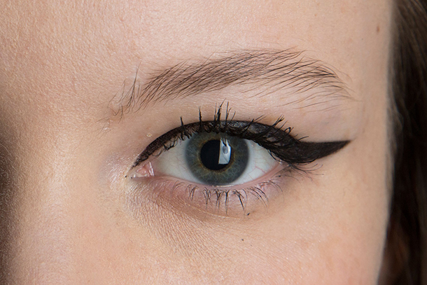 mascara wand What You Really Need to Know About the Shape of Your Mascara Wand